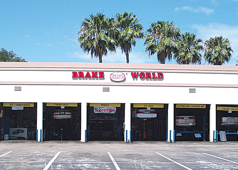 Product image for Brake World OIL CHANGE & TIRE ROTATION! SYNTHETIC OIL CHANGE COMBO $49.95