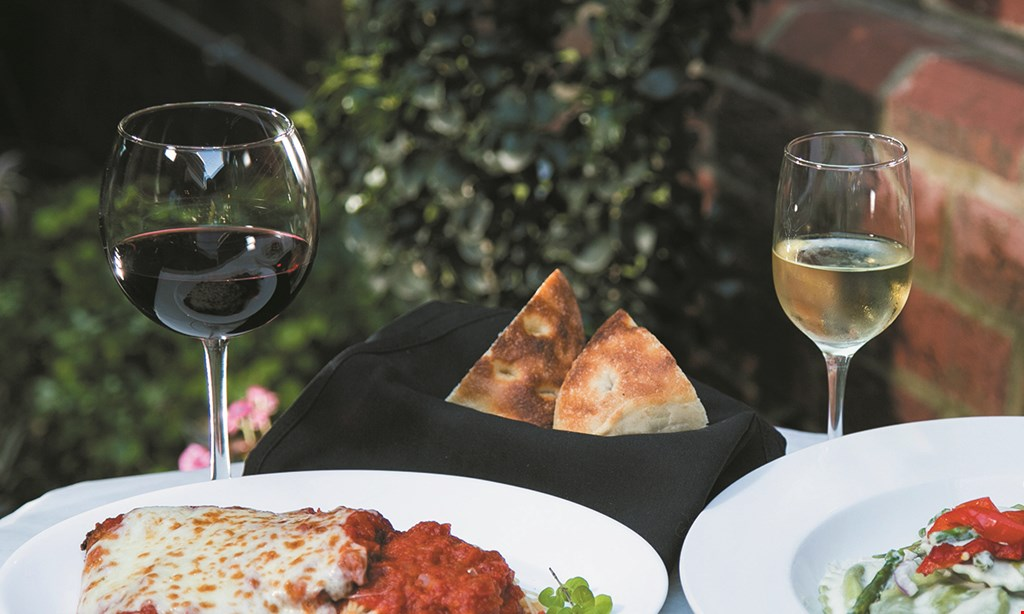 Product image for FRATELLI RISTORANTE & PIZZERIA Free entree with purchase of 1 entrée and 2 drinks18% gratuity added to original bill.