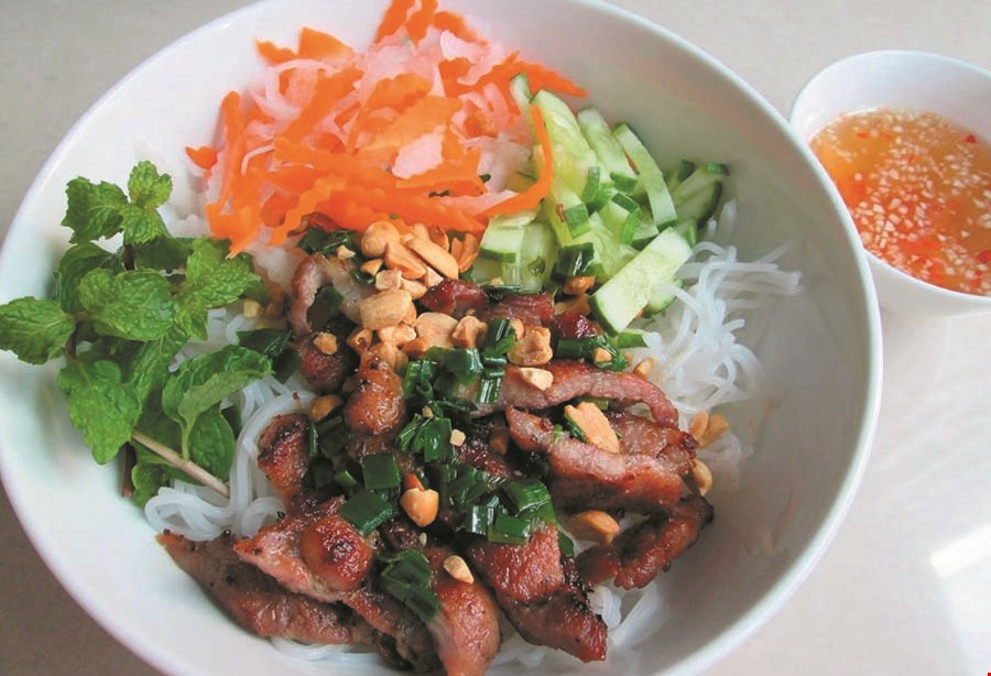 Product image for Pho 3 Mien $5 Off any purchase of $35 or more or 10% Off entire lunch or dinner check.