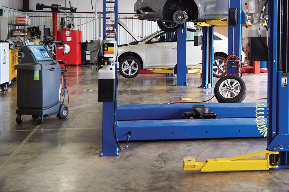 Product image for Meineke Oceanside OIL & FILTER CHANGE $19.95 most cars.