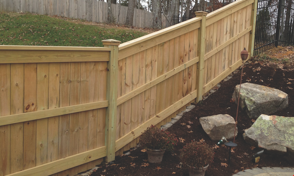 Product image for Bryant Fence Company Free gate with 150 ft minimum wood fencing.