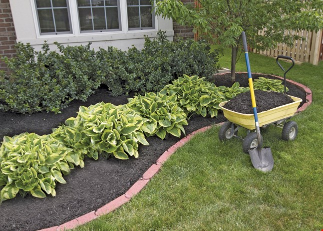 Product image for Yard Smith FREE yard of mulch with purchase of 4 yards of mulch.
