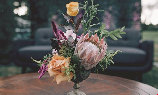Product image for Pollinate $5 Off fresh floral arrangement of $50 or more