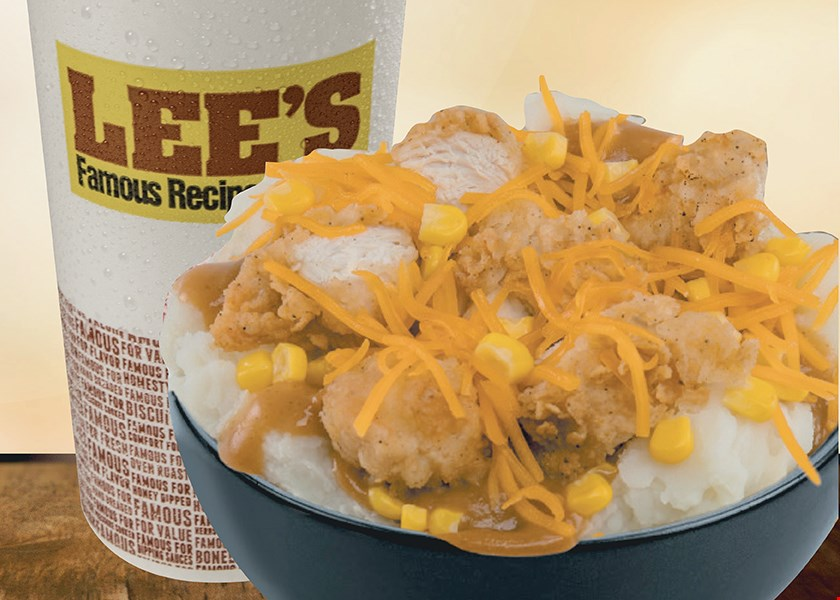 Product image for Lee's Famous Recipe Chicken $4.99 White Chicken Chili Combo With Regular Drink