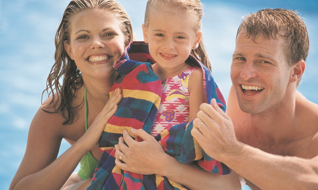 Product image for Windwood Park $50 off 3+ Family Pool Membership.