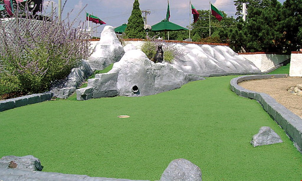 Product image for Pleasant Valley Miniature Golf $1 off a round of golf