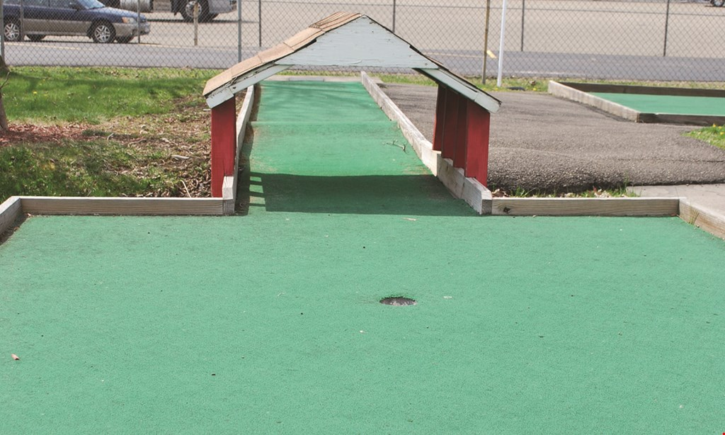 Product image for Skate Estate $10 off any birthday party