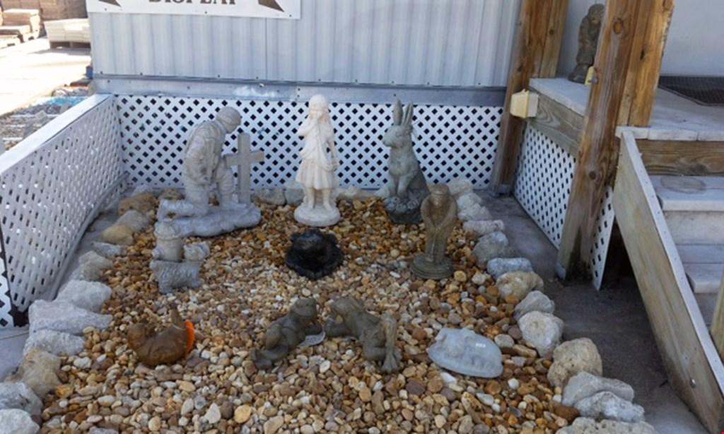 Product image for Murdock Stones Etc. $32 /Yard Bulk Mulch