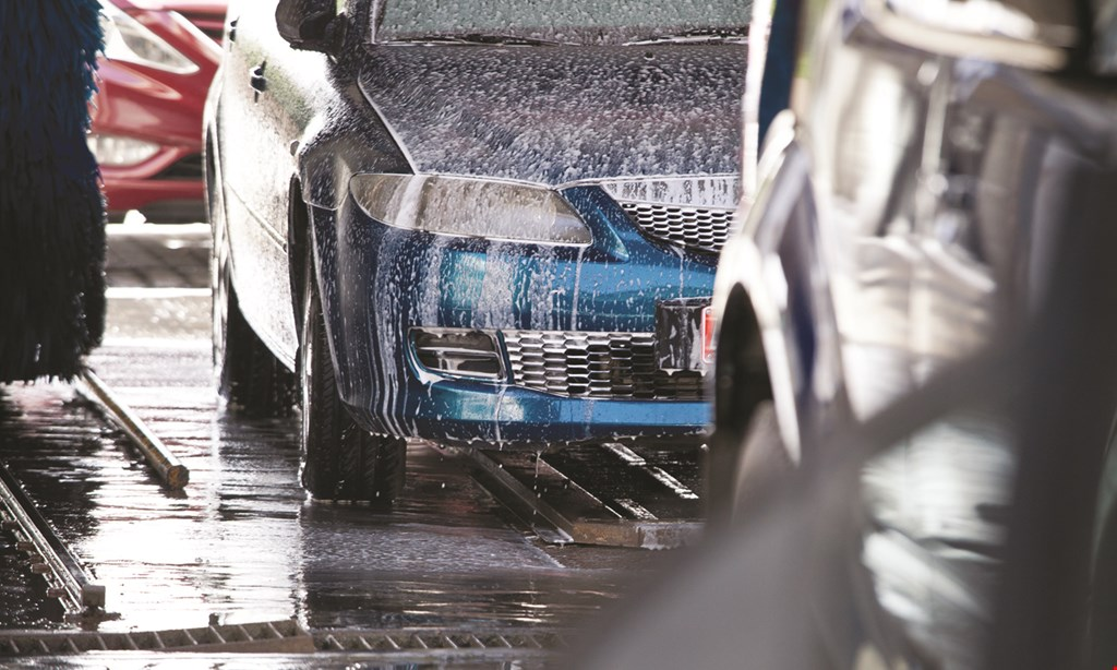 Product image for Oak Lawn Auto Wash & Detail 50% off DELUXE CAR WASH