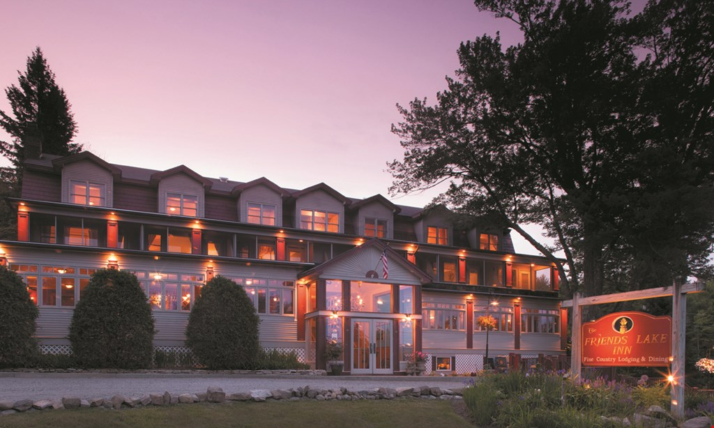 Product image for Friends Lake Inn $320 For An Overnight Luxury Room Package For 2 (Reg. $640)