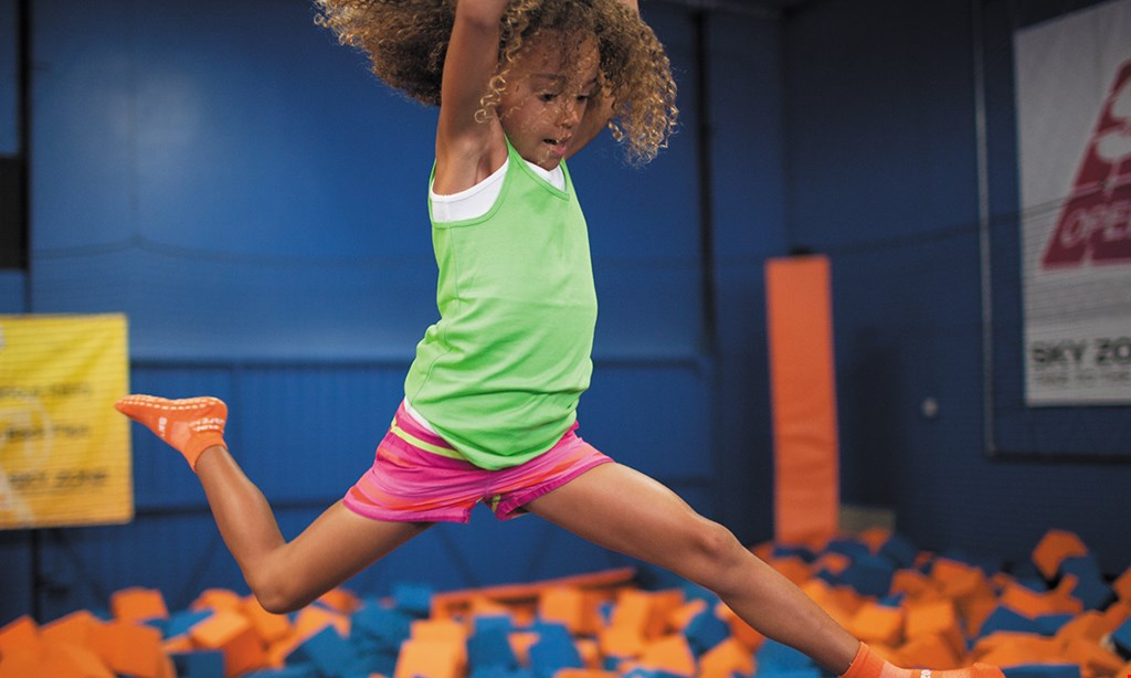 Product image for Sky Zone Trampoline Park $17 For 2 1-Hour Jump Passes (Reg. $34)