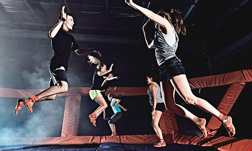 Product image for Sky Zone Trampoline Park $25 For 90 Minutes Of Jump Time For 2 People (Reg. $50)
