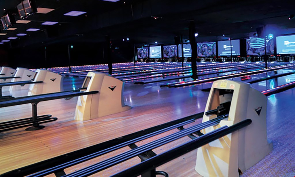 Product image for Quinnz Pinz $18.99 For 2 Hours Of Bowling Including Shoes For 2 (Reg. $37.98)
