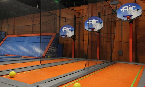 Product image for Flight Fit N Fun $18 For A 1-Hour Jump Session For 2 People (Reg. $36)