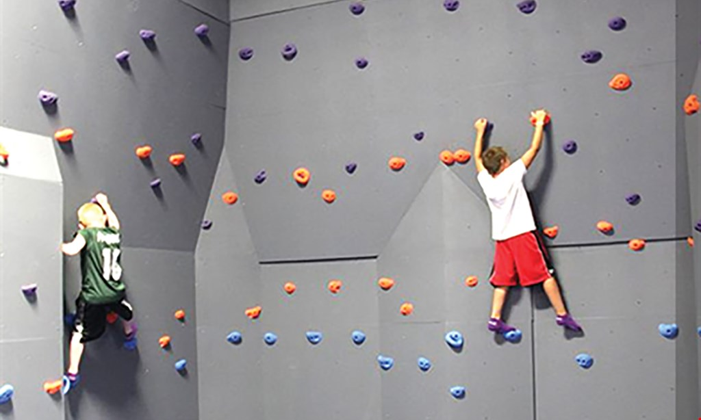 Product image for Altitude Trampoline Park $30 For 60 minutes Of Jump Time For 4 People (Reg. $60)