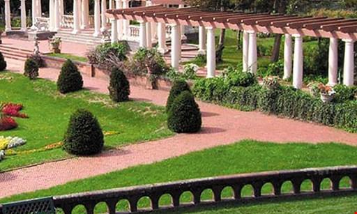 Product image for Sonnenberg Gardens & Mansion State Park $15 For Regular Park Admission For 2 (Reg. $30)