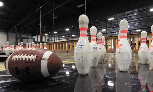 Product image for Fowling Warehouse $10 For Fowling Open Play For 2 (Reg. $20)