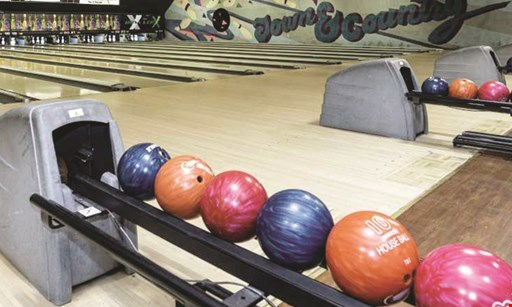 Product image for Town & Country Lanes $30 For 2-Hours Of Unlimited Bowling, Shoe Rental For Up To 4 People, 1 Order Of Nachos With Cheese & 1 Order Of Pretzel Bites With Cheese (Reg. $60)