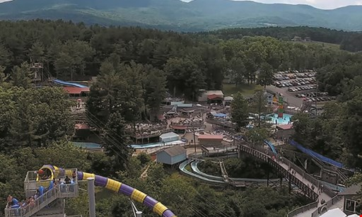 Product image for The Country Place Resort $237 For 2-Nights Lakeside Lodging Mid-Week For 3 People, Includes 3 Zoom Flume Water Park Admissions & 3 Breakfasts (Reg. $474)