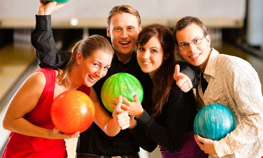 Product image for Splitz Alley $16 for 1 Hour of Bowling - for up to 4 people (Reg. $32)
