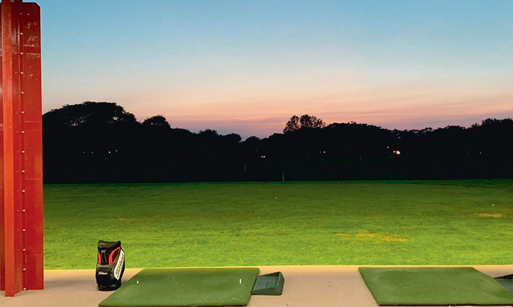 Product image for Turnberry Golf Club $15 For 1 Hour Top Tracer Golf Simulator Session For 1 Person (Reg. $30)
