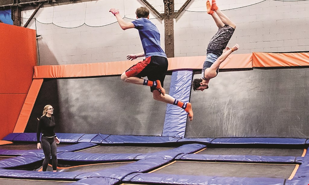 Product image for Sky Zone - AURORA & JOLIET $19.99 For A 1-Hour Open Jump Pass For 2 People (Reg. $39.98)