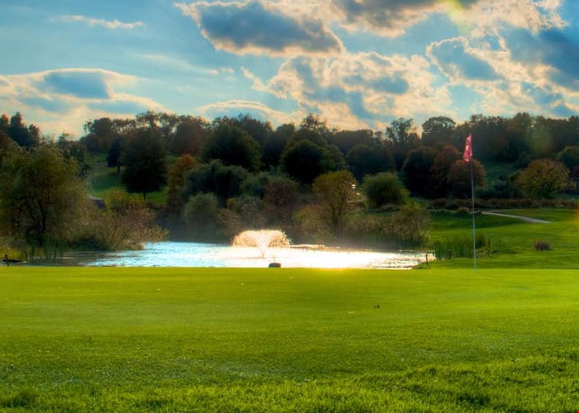Product image for Rolling Fields Golf Club $36 For 18 Holes Of Golf For 2 With Cart (Reg. $72)