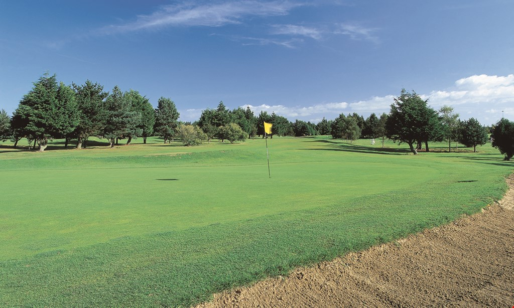 Product image for Timberlane Country Club $40 For 18 Holes Of Golf For 2 With Cart (Reg. $84)