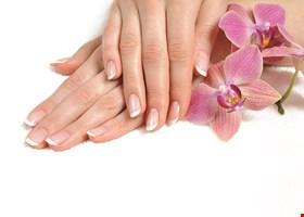 A & a Nails