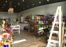 Cafe Du Bone Dog Bakery & Boutique