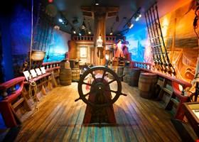 Pirate & Treasure